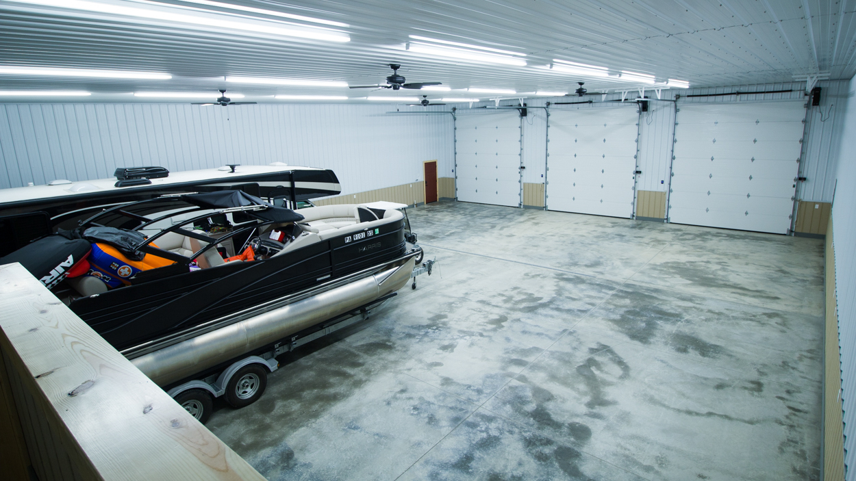 Huge-Garage-Interior-2757-1