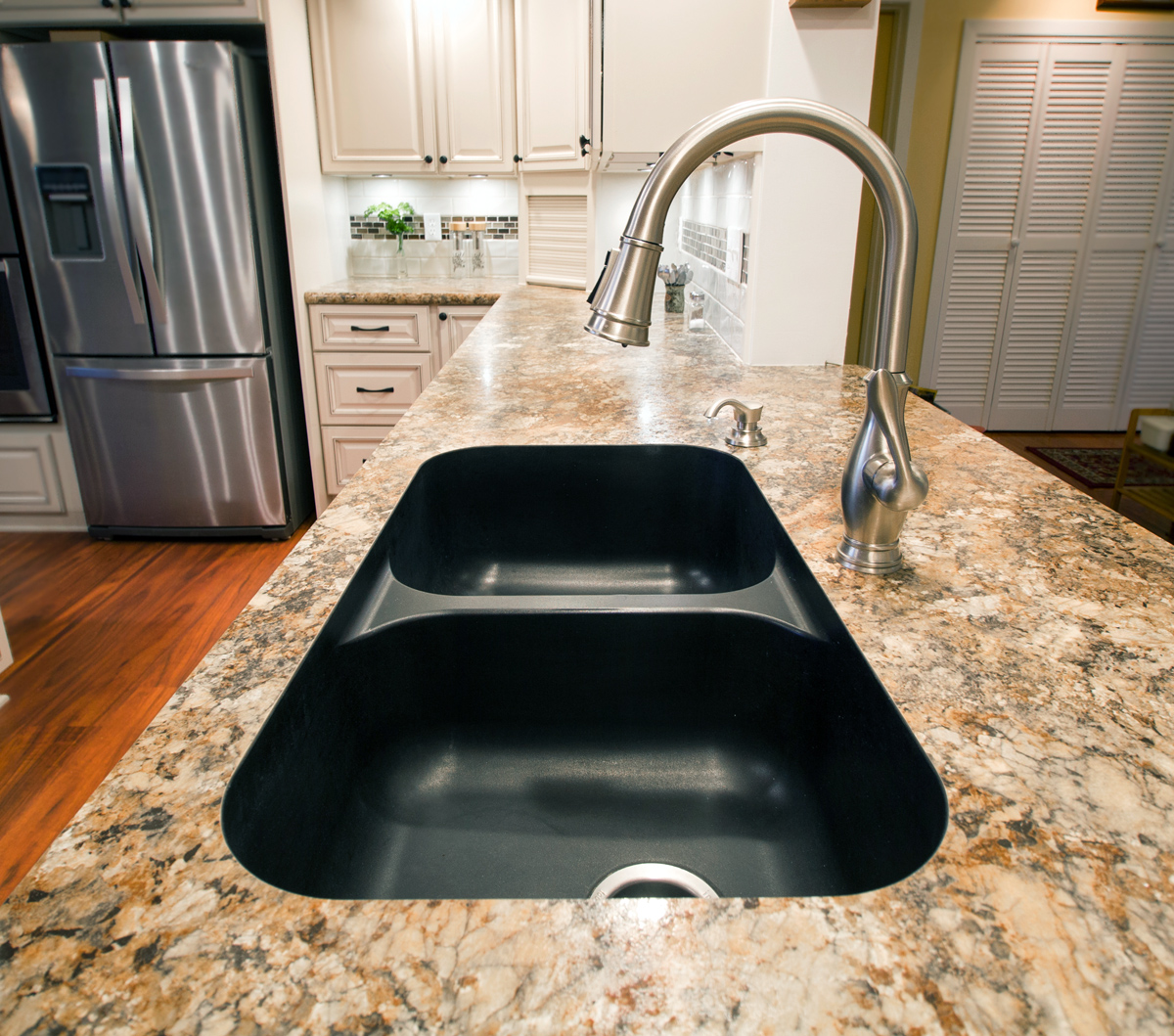 undermount,sink,faucet,countertop,counter,granite,custom,cabinet,spice,rack,cutting,board,drawers,remodel,install